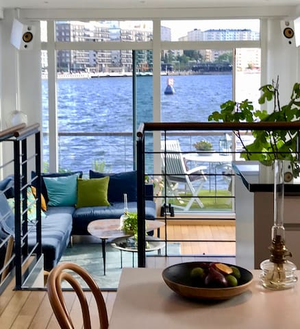 Unique and Central Floating Villa in Stockholm