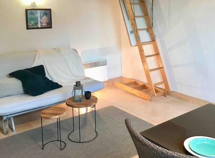 Charmant studio au cœur de la Provence verte