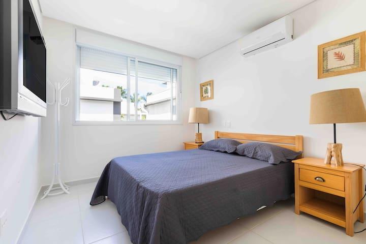 Suite com TV e air condicionado