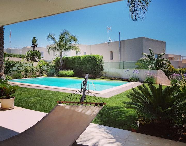 paradise island, pool & relax