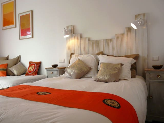 Chambre spacieuse avec terrasse privative - Gras - Bed & Breakfast