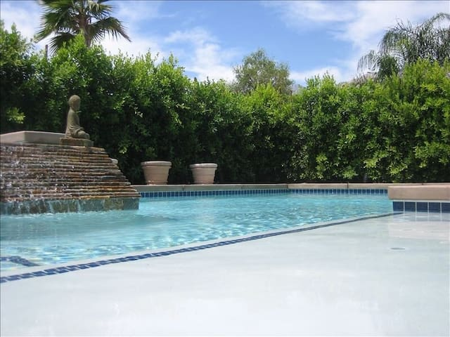 Walking Distance to downtown - Palm Springs - Villa