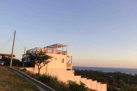 Epic Ocean View - Amazing sunset Roof-Top deck &AC