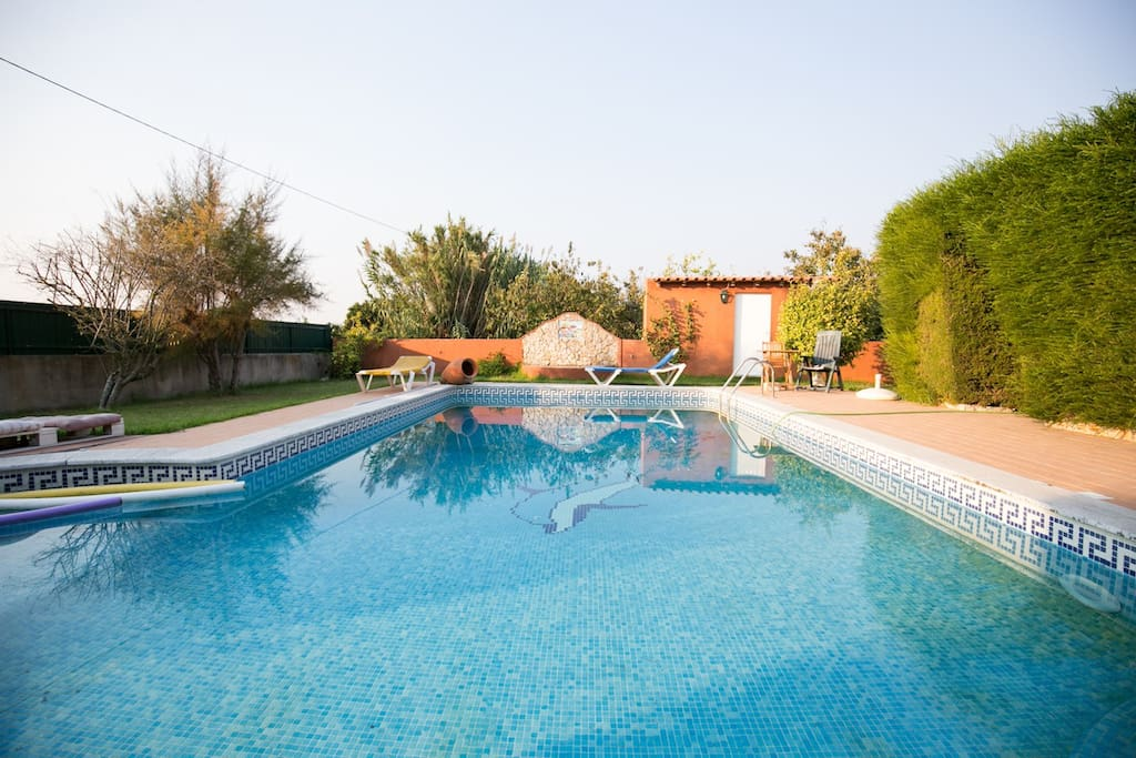 torres vedras singles An outstanding seaside experience for families, just 45 minutes north of lisbon  the cliff top location offers private access to porto novo beach.