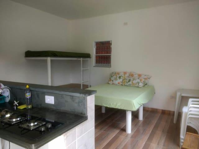 Equipado com ventilador TV e cooktop