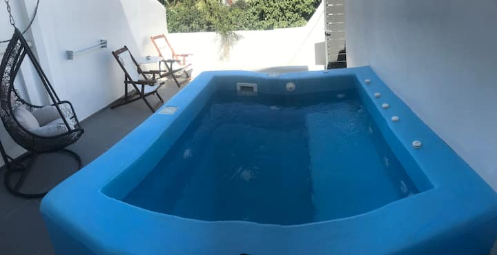 Muse of Santorini 4_Suite_Outdoor_private Jacuzzi