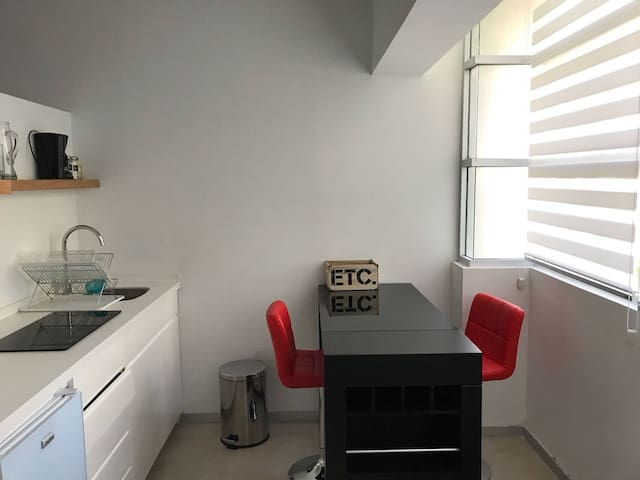 Anahuac Suites