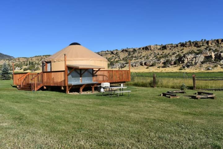 Large Charming Yurt in Flaming Gorge at Rocky Ridge Outpost– Sleeps up to 8