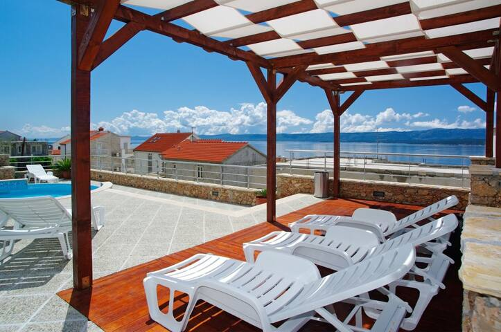 Amazing sea view apartment in villa Lara in Bol