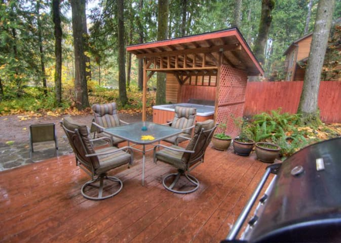 Backyard deck with BBQ, outside dining area and private, outdoor