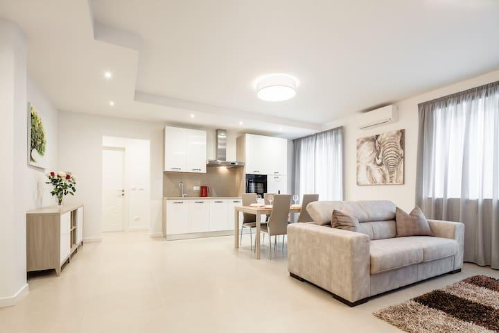 Tulpe, Neues Apartment im Zentrum von Meran - Merano - Apartament