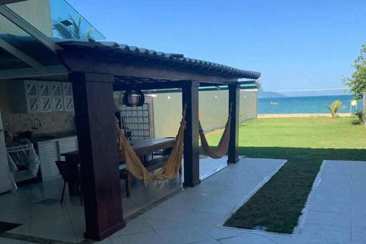 Casa com o Pé na Areia