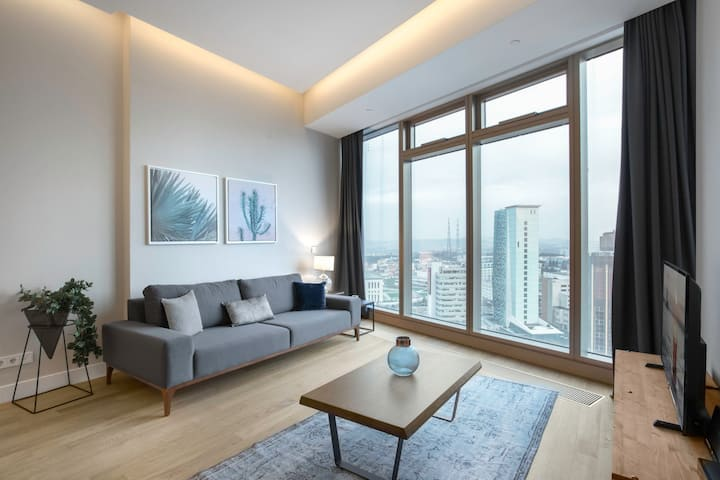 Crisp 1BR at 42 Maslak with Pool & City View