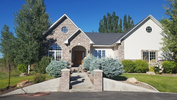 Large Home in Rexburg, Idaho for Eclipse Vacation