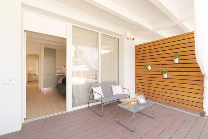 Appartamento indipendente con giardino e patio