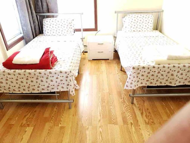 [이모네♥4] Bright room for 2 people, 2 twin bed