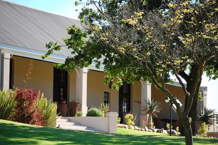 Swartberg Private Game Lodge (Exclusive Use)