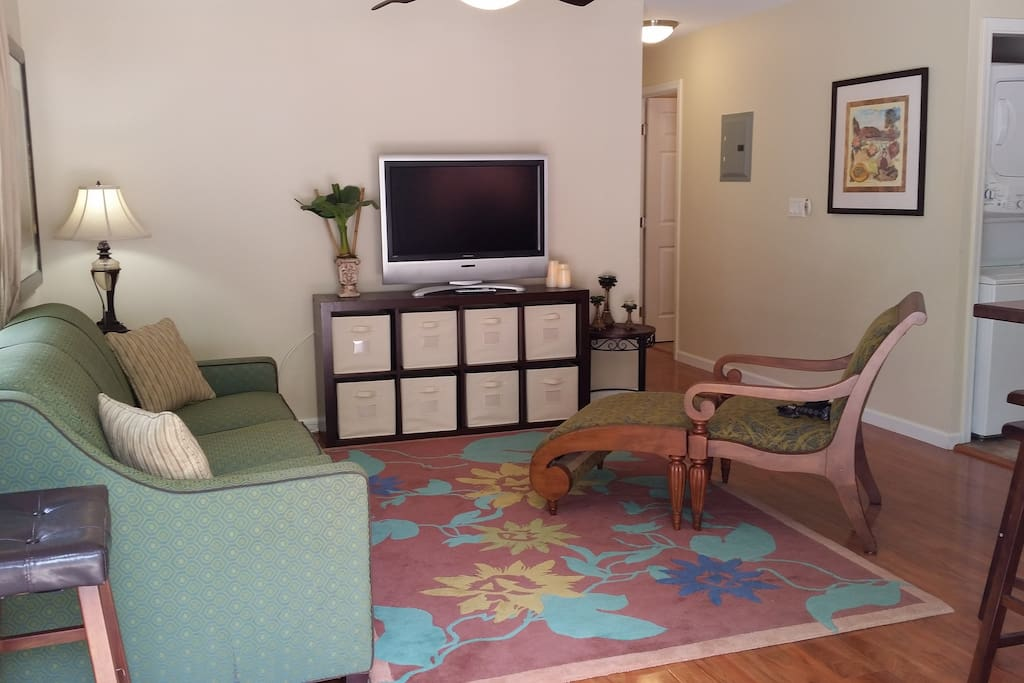 Relax & kick back in the living room. There's a flat Screen TV and Wifi for your entertainment.