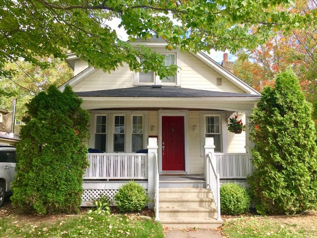 Cosy Craftsman in Downtown Fredericton