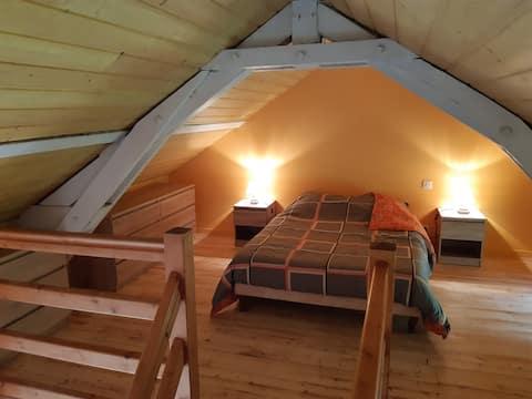 Maisonnette au calme avec terrasse individuelle