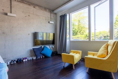 Stylish Studio Loft minutes away from Wimbledon.