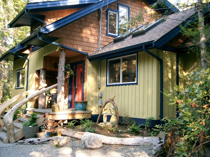 Tigh-na Clayoquot Vacation House