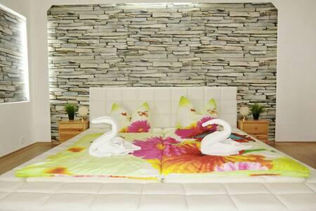 Ferienwohnung mit Garten 2km Strand - Wusterhusen - Apartment