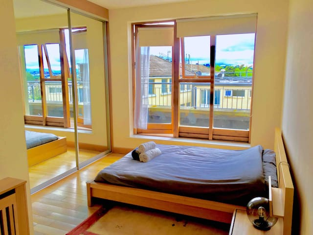 Penthouse, Private Ensuite, Balcony Views, Dublin