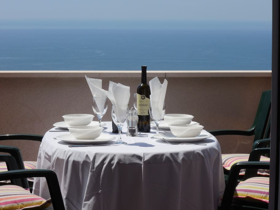 Enjoy sunshine and views on one of Villa Ravello's two interconnected spacious terraces.