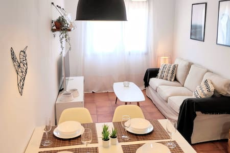 La Rambla Apartment- Terrace & parking
