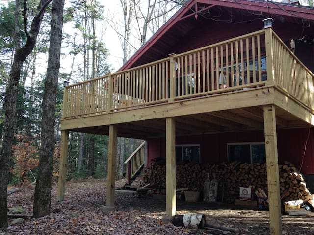 Chalet in the pines, five miles from mt. Snow - Wardsboro - Chalet