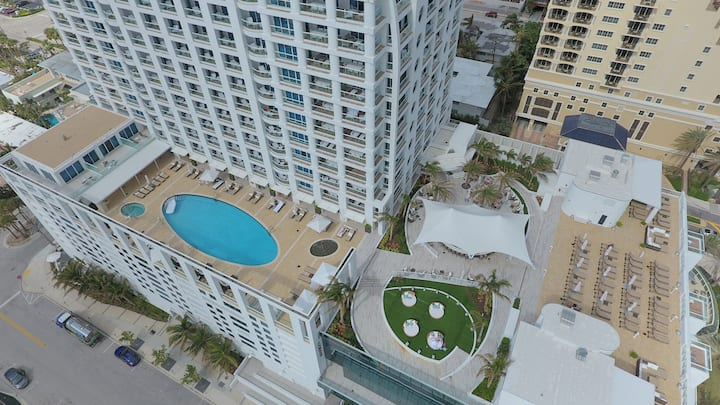 The Ocean Resort Ft Lauderdale Beach | One Bedroom Oceanfront Beach Villa 06