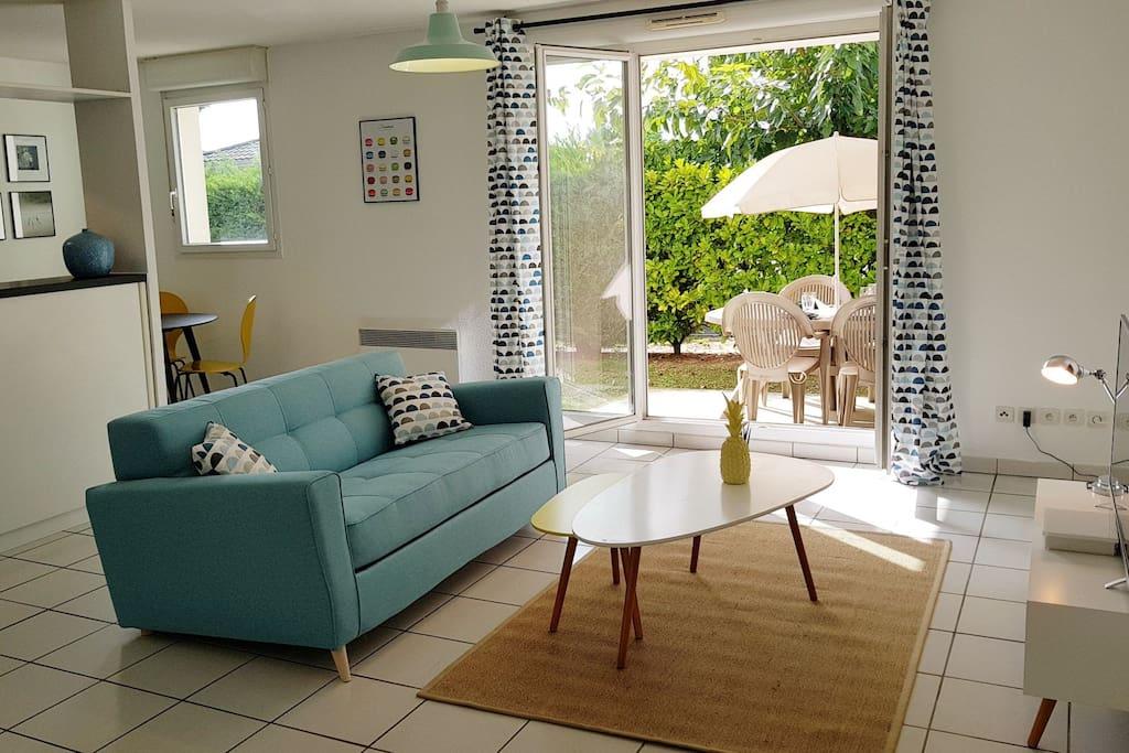 Superbe logement avec jardin priv proche bordeaux for Location appartement avec jardin bordeaux