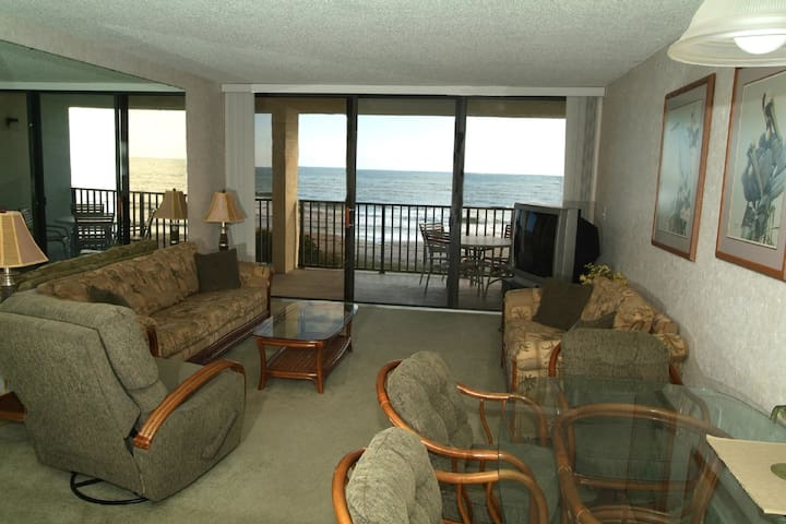 Beach Front Penthouse Condo w/Direct Ocean Views - Cape Canaveral - Lyxvåning