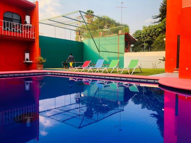 CUAUTLA   Hermosa casa para 20 en Agua Hedionda
