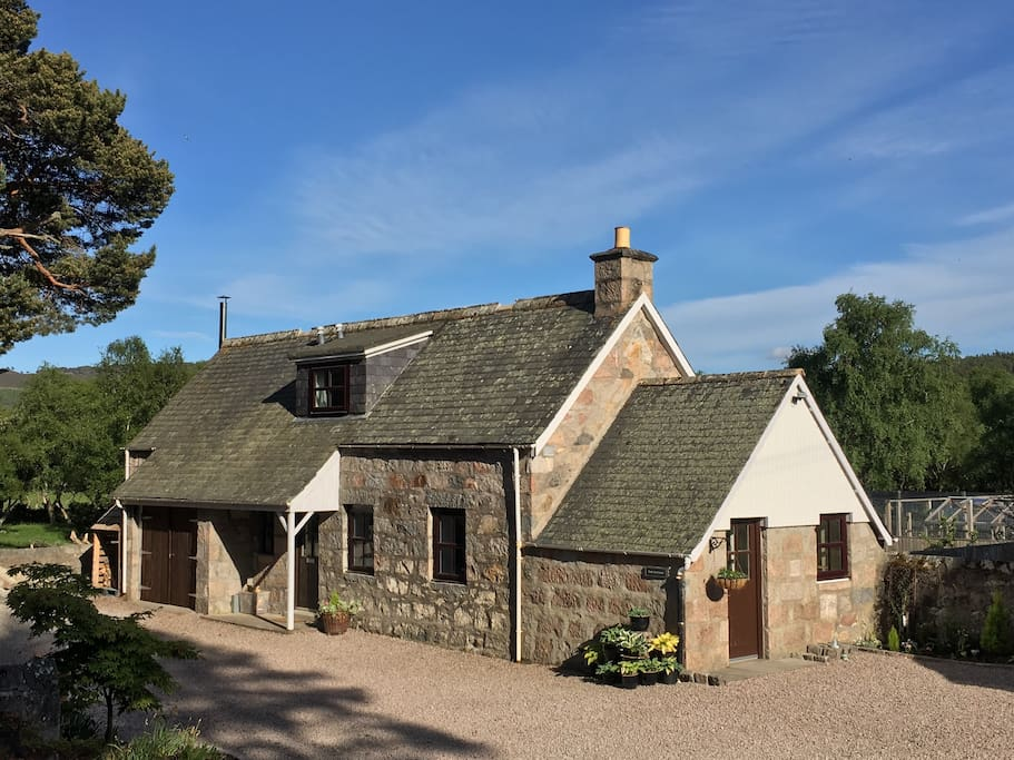 faunoran cottage crathie near ballater braemar h uschen zur miete in crathie schottland. Black Bedroom Furniture Sets. Home Design Ideas