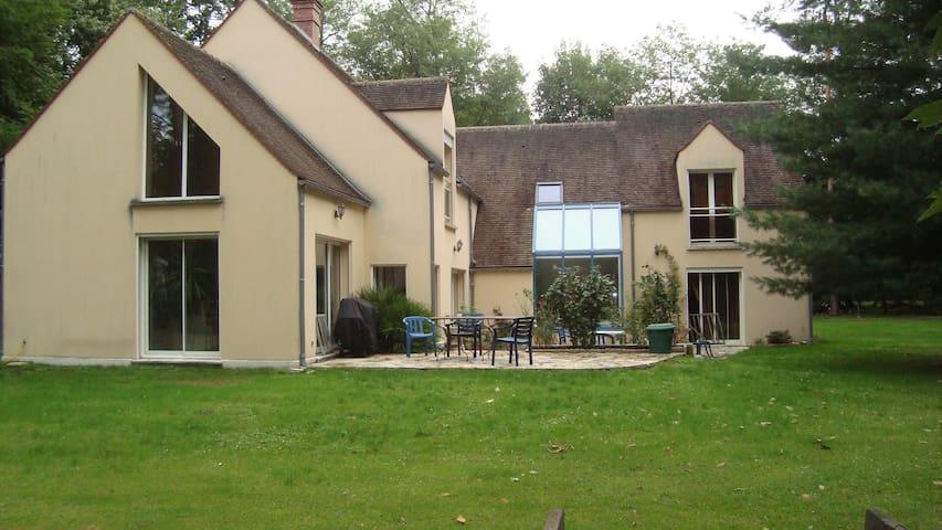 maison dans la forêt de Fontainebleau - Noisy-sur-École