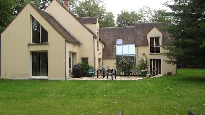 maison dans la forêt de Fontainebleau