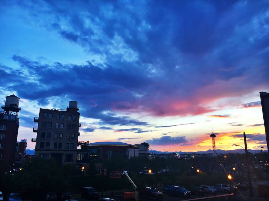 Beautiful sunsets from our balcony. sit on the balcony and watch the sunsets and look over at the Pepsi Center and Elitches.