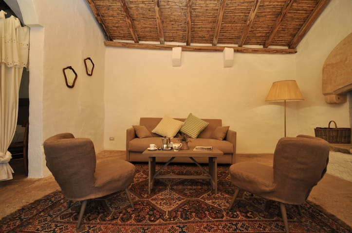 Suite in dimora storica del 1500 - Racale - House