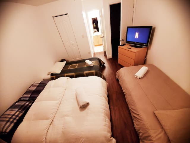 Comfortable Pretty Room 3p or 4p &Parking