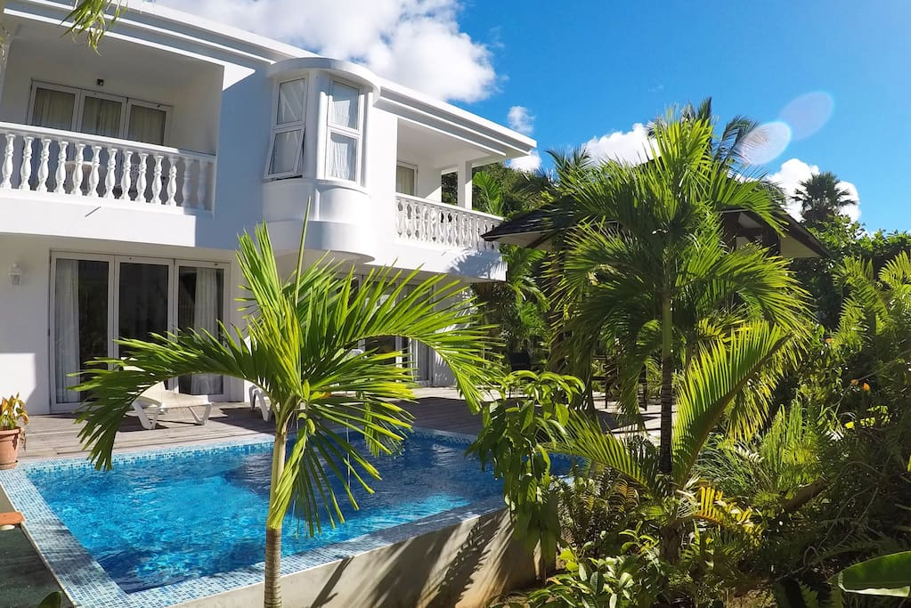 Chateau elysium 2 bedroom villa with plunge pool 1 for Villa de jardin mahe seychelles