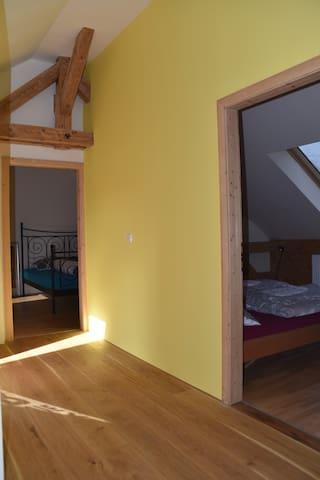 Schlafzimmer 3 und 4 oben