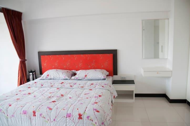 Grand modern suite in Sathorn - Bangkok - Huoneisto