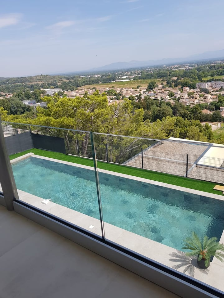Villa contemporaine vue imprenable
