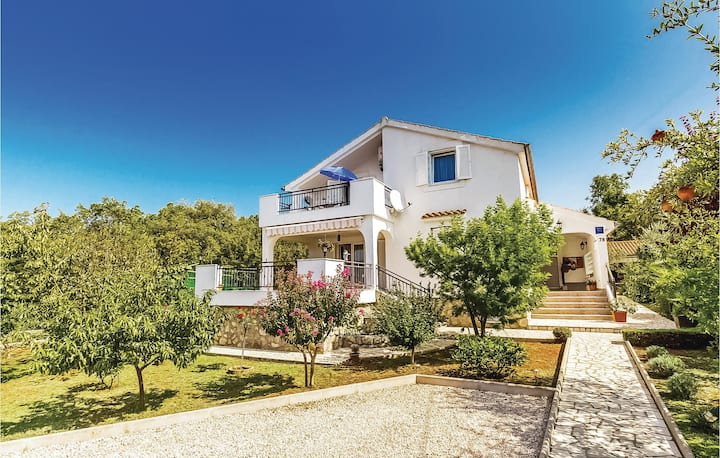 Amazing home in Krk with WiFi and 1 Bedrooms