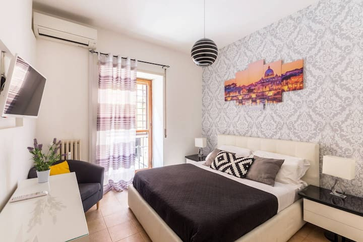 WINTER 50%off ! CUTE STUDIO IN THE HEART OF ROME