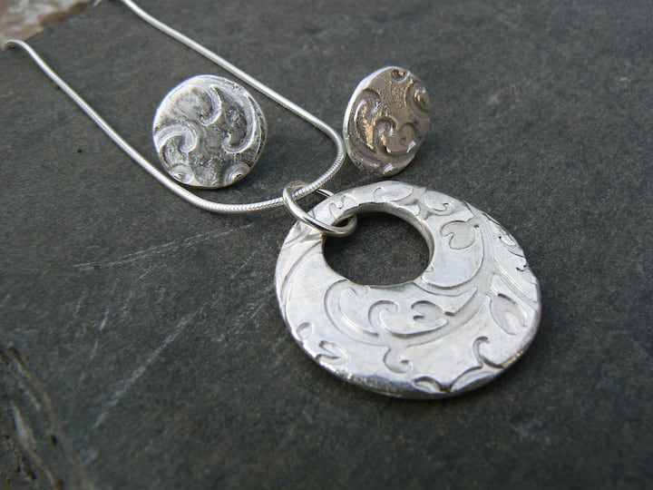Make amazing jewellery from silver clay