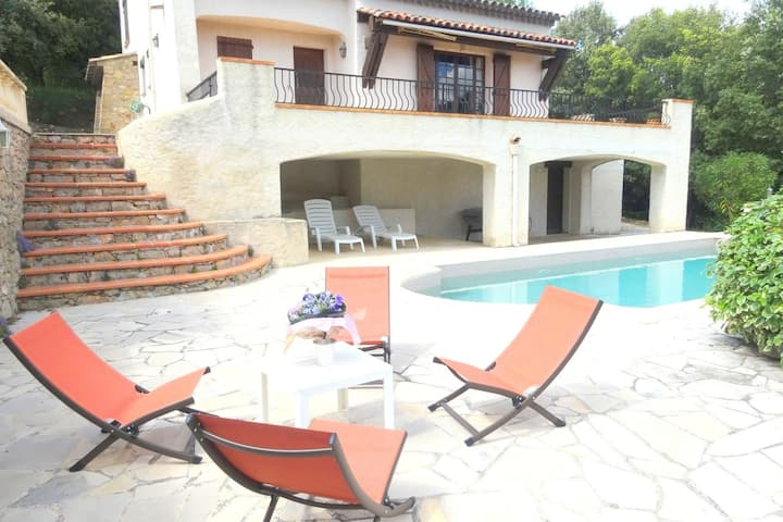 Charming house located in one of the most beautiful villages of Haut-Var