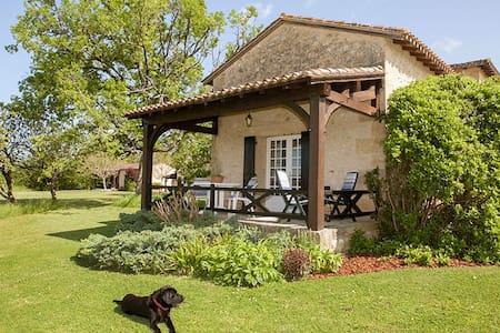 May Cottage at Domaine de Leygue - Bourniquel